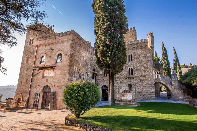 Residenze d 39 epoca dimore storiche ville castelli e for Immagini di entrate di ville